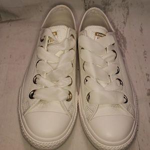 Converse Girls NIB Leather Gym Shoes Size 5